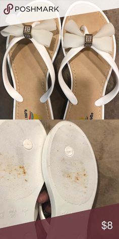 fb3c20219 Aloha Island sandals Pre-owned never been wore I don t know how theses have  rust stains on the bottom cause I never wore these. There white with a cube  ...