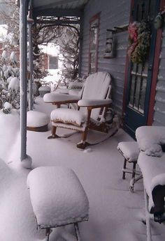 Snow Storm On Front Porch.looks like the cabin we stay in at Leavenworth, Washington Snow Storm On Front Porch.looks like the cabin we stay in at Leavenworth, Washington Snow Storm On Front Porch.looks like the cabin we stay Winter Szenen, Winter Love, Winter Magic, Winter Porch, Winter Garden, Vibeke Design, Snowy Day, Snow And Ice, Snow Scenes