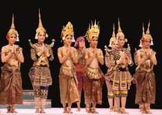 Watching Cambodian Art Performance http://cambodiahotels.info/featured/watching-cambodian-art-performance.html