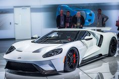 2017 Ford GT Pushes Out 647 HP - Has 347 km/h Top Speed