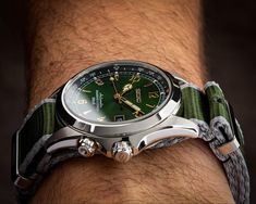 Buying The Right Type Of Mens Watches - Best Fashion Tips Big Watches, Best Watches For Men, Luxury Watches For Men, Sport Watches, Cool Watches, Seiko Sarb, Seiko Watches, Seiko Alpinist, Tourbillon Watch