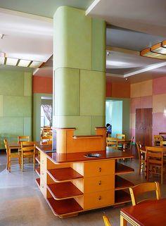 Art Deco: Los Angeles, CA Bullock's Wilshire Department Store Tea Room… Bauhaus, Art Nouveau, Design Industrial, Streamline Moderne, Art Deco Buildings, Vintage Interiors, Deco Interiors, Art Deco Furniture, Home And Deco