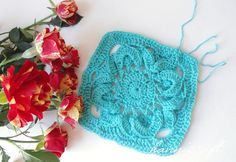 Gorgeous 16 petals block. Pattern here http://www.ravelry.com/patterns/library/16-petals