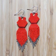 Beaded Earrings Native, Beaded Necklace Patterns, Native Beadwork, Bead Earrings, Bead Loom Patterns, Craft Patterns, Beading Patterns, Bead Jewellery, Seed Bead Jewelry
