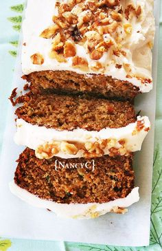 I'm a big fan of carrot cake and zucchini bread, so I came up with this recipe that combines the two! It's a really tasty way to eat your veggies! :) Topping this moist, flavorful bread… Carrot Zucchini Bread, Zucchini Bread Recipes, Pumpkin Bread, Zucchini Cake, Best Zuchinni Bread Recipe, Carrot Bread Recipe Moist, Courgette Bread, Courgette Cake Recipe, Carrot Cake Bread