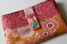 12 Incredible iPad Case Sewing Patterns That Hold More Than Just Your Tablet