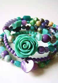 ...versgemaakte armbanden in prachtige kleuren... ...freshly made bracelets in beautiful colours... ......