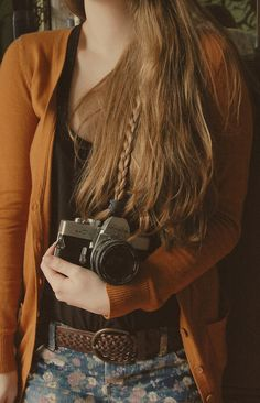 mustard cardigan, long hair and camera - totally my style!