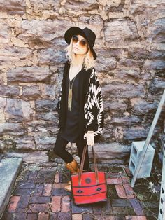 Love this laid back look, great cardigan and hat with a statement bag x