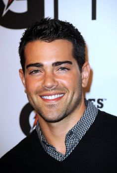 Jesse Metcalfe. ohhhhh dear lord.  thank you, desperate housewives, for introducing me to my future husband.