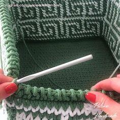 Crochet Basket Pattern, Crochet Stitches Patterns, Crochet Motif, Crochet Yarn, Crochet Toys, Knitting Patterns, Crochet Doll Tutorial, Tapestry Crochet, Crochet Videos