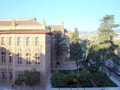 Córdoba - La antigua Facultad de Veterinaria by Robert Bovington http://bovingtonphotosofspain.blogspot.com.es