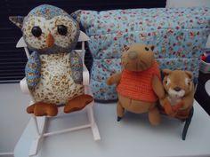 Os donos dos móveis: Hannah, Clotilde e Esquilo.