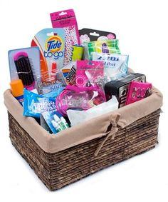 Bathroom kit list - going away to college gift basket. I would have loved to… College Gift Baskets, College Gifts, Graduation Gifts, Graduation Ideas, Mary Kay, Homemade Gifts, Diy Gifts, Creative Gifts, Unique Gifts