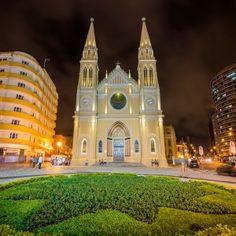 sisters in travel-curitiba-cidade modelo-catedral metropolitana