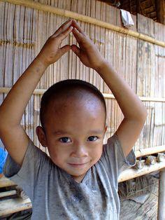 Refugee boy from Myanmar in Thailand (by UNHCR)