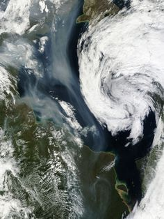 In late July 2013, numerous wildfires burned through boreal forests in northern Canada. On July 29 and 30, 2013, the Moderate Resolution Imaging Spectroradiometer (MODIS) on NASA's Aqua and Terra satellites acquired these images of a large smoke plume spreading south over the Hudson Bay.
