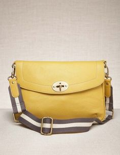 Small Messenger Bad by Boden. 