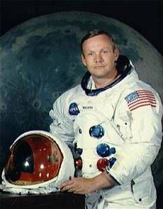 Ay'a ilk ayak basan astronot Neil Armstrong hayatını kaybetti.