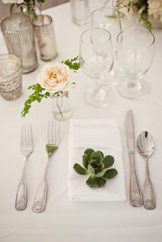 Tischdeko immergrüne Pflanzen Rose vintage Design