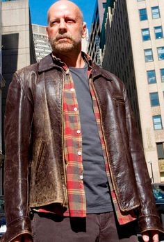 Men's Leather Jackets: How To Choose The One For You. A leather coat is a must for each guy's closet and is likewise an excellent method to express his individual design. Leather jackets never head out of styl Distressed Leather Jacket, Men's Leather Jacket, Leather Men, Leather Coats, Khaki Jacket, Brown Leather, Film Jackets, Cool Jackets, Winter Jackets