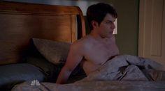 "David Giuntoli is shirtless in the episode ""Bears Will Be Bears"" of Grimm. Grimm Season, Nick Burkhardt, David Giuntoli, Shirtless Men, Sweet Dreams, Comedy, Drama, Actors, Celebrities"