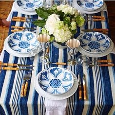 Spring tables thank you @heatherchadduck for the inspiration! #spring #blueandwhiteforever #interiors #decoration #interiordesign #deco #tablesetting
