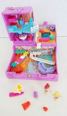 : Surf and Swim Island, 1996 90s Toys, Retro Toys, Vintage Toys, 1980s Childhood, Childhood Memories, Girls Rolling Backpack, Polly Pocket World, Poly Pocket, Indoor Activities For Kids