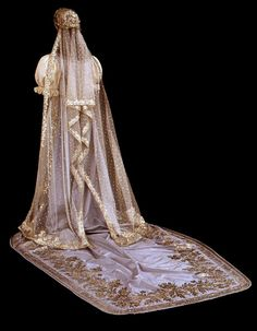 Hungarian court dress, pink satin, lace. embroidery, beading (back) 1875-1900. From the Museum of Applied Arts