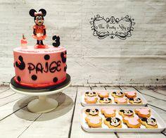 #minnie inspired #vanilla #rainbowcake inside #whitechocolate #ganache and #themedcookies