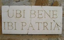 Latin Wall Plaque 'Ubi Bene Ibi Patria' (Where You Feel Good There Is Your Home)