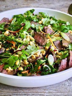 asiatisk biffsalat Frisk, Tex Mex, Spinach, Lunch, Vegetables, Cooking, Food, Cilantro, Cuisine