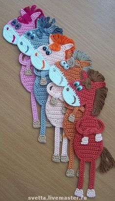 This was reblogged from motleycraft-o-rama  I'm gonna have to learn to crochet. So cute.