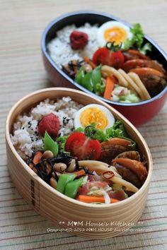 □ ホタテのしぐれ煮 □ ゆでたまご □ れんこんのきんぴら □ ひじきと大豆の煮物 □ キャベツと人参のベーコン炒め □ プチトマト □ 麦ご飯