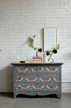 Finished beauty shot. Foxen wallpaper by Holli Zollinger.