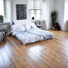 Modern bedroom paint ideas are about experimenting with fresh, attractive colors. Guest Bedroom Decor, Home Bedroom, Modern Bedroom, Bedrooms, Apartment Living, Home Fashion, Living Spaces, Loft, Interior Design