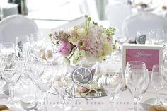 centros de mesa de una boda rosa, rosa, rosa