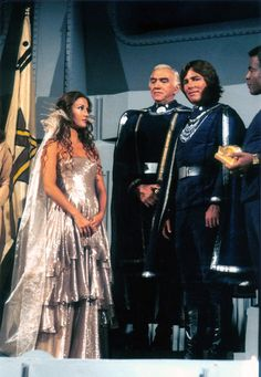 Apollo (Richard Hatch) and Colonel Tigh (Terry Carter) - Battlestar Galactica (Episode Lost Planet of the Gods, Part 2 (First Aired October 70s Tv Shows, Sci Fi Tv Shows, Jane Seymour, Star Trek Enterprise, Star Trek Voyager, Battlestar Galactica Cast, Kampfstern Galactica, Richard Hatch, Classic Sci Fi