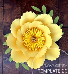 Excellent diy flowers detail are available on our internet site. Take a look and you wont be sorry you did. Paper Flowers Craft, Crepe Paper Flowers, Paper Roses, Felt Flowers, Flower Crafts, Diy Flowers, Flower Petal Template, Flower Tutorial, Diy Paper
