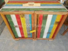 Kitchen cabinet from old pallets | 1001 Pallets don't like the color love the idea