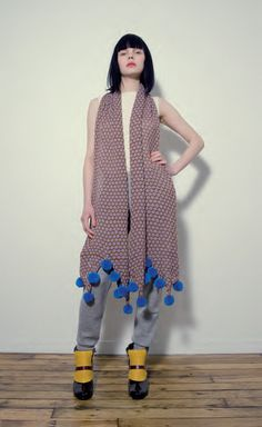 Pompom Maxi Scarf - wanna DIM (do it myself / do it Mum!;-) but with other colors!