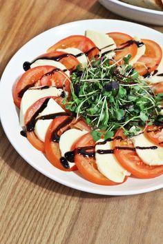 Low Carb Diet Plan, Keto Meal Plan, Sweet Recipes, Vegan Recipes, Cooking Recipes For Dinner, Cooking Photos, Korean Food, Food Design, Caprese Salad