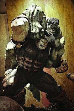 The Hulk vs Juggernaut Hulk Marvel, Marvel Comics Superheroes, Hulk Comic, Marvel Art, Marvel Memes, Superman Hulk, Deadpool Wolverine, Marvel Comic Universe, Comics Universe