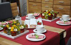 Mit unserer blumigen Kaffeetafel schaffen Sie einen schönen Rahmen für den Muttertag – und erfreuen Ihre Mutter mit einfachen DIY-Deko-Tipps.