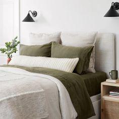 La Duna Lumbar Pillow Oversized Lumbar Pillow with Textured Stripes Bedroom Green, Modern Bedroom, Green Bedding, Olive Green Bedrooms, Olive Bedroom, 1930s Bedroom, Bedroom Romantic, Modern Bedding, Interior Modern