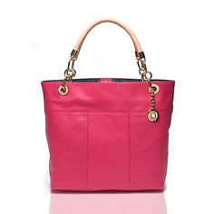 Quiero ver más modelos My Bags, Purses And Bags, Tommy Hilfiger Totes, Book Purse, Cute Bags, Fashion Watches, Pebbled Leather, Fashion Accessories, Pumps