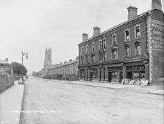 Photo This is the top of Haddington Road (known locally as Haddier) in Dublin - the Baggot Street end. This fine row of shops was later absorbed into Baggot Street Hospital. Ireland Pictures, Old Pictures, Old Photos, Vintage Photos, Dublin Street, Dublin City, Ireland Homes, Photo Engraving, Victorian Architecture