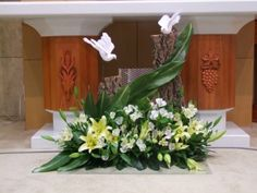 Choosing The Flower Arrangements For Church Wedding Altar Flowers, Church Flower Arrangements, Church Flowers, Floral Arrangements, Wedding Flower Packages, Wedding Ceremony Flowers, Altar Decorations, Flower Decorations, Types Of Flower Arrangement