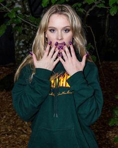 Imagem de fashion, maria, and sweatshirt