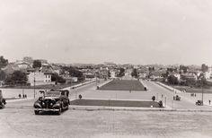 """Pe platoul """"Scolii Superioare de Razboiu"""" , mai jos regasim o parte din Cartierul Cotroceni pozat in perioada 1937-1939."""
